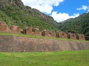 A Structure in Huchuy Qosqo