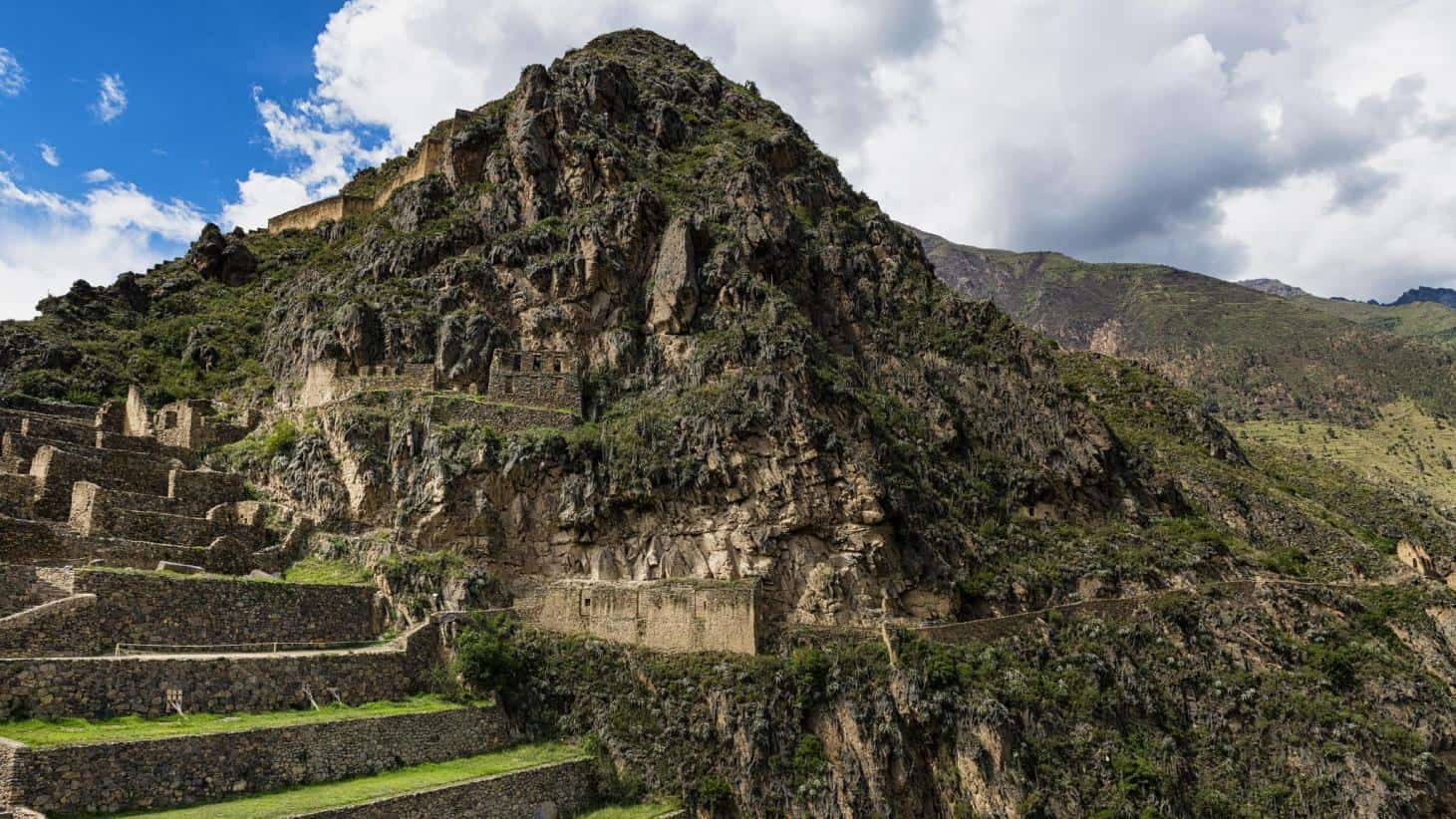 Ruins of sacred valley.